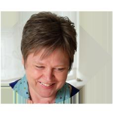 Profile bio image of Liz Mercer